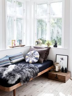 Daybeds: The Glorious Piece of Furniture You Should Be Using | Apartment Therapy