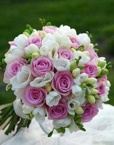 Small bridal bouquet floral arrangements 33 New Ideas Small Bridal Bouquets, Bride Bouquets, Bridal Flowers, Flower Bouquet Wedding, Floral Bouquets, Floral Wedding, Flowers Roses Bouquet, Rose Bouquet, Beautiful Flowers