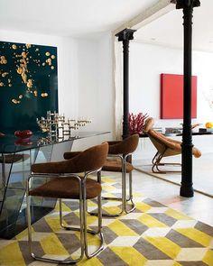 Lovely Renovated Madrid apartment by Rafael Llamazares Interior Architecture, Interior And Exterior, Madrid Apartment, Casa Patio, Deco Addict, Interior Decorating, Interior Design, Painted Floors, Mid Century Design