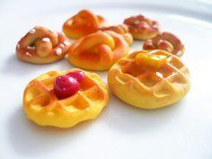 Clay waffle tutorial | Hikaria - Mini Sweets Studio