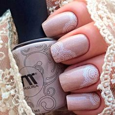 Cute Nude Nails and Lace Art ❤️ ❤️ Graduation nails are essential components of your holiday look that is why there is a lot of research to be done to come up with a suitable idea. Spring Nail Trends, Spring Nails, Summer Nails, Glitter Accent Nails, Lace Nails, Nail Designs Pictures, Diy Nail Designs, Lace Nail Design, Nails Design