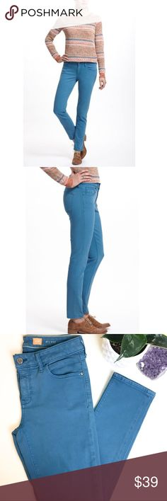 """Pilcro stet fit teal blue jeans Excellent condition Anthropologie pilcro skinny jeans in a teal blue color. Waist:15"""" raise:9"""" inseam29"""" approx. offers welcome! Anthropologie Jeans Skinny"""