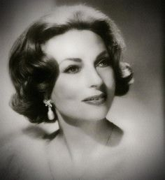 agnes moorehead Hollywood Icons, Old Hollywood Glamour, Vintage Glamour, Vintage Hollywood, Hollywood Stars, Classic Hollywood, Agnes Moorehead, Bewitched Elizabeth Montgomery, Star Actress