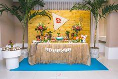 Festa Infantil - Letícia - 3 anos [Moana] - Botafogo / Rio de Janeiro Moana Theme, Birthday Cake, Table Decorations, Kids, Party Ideas, Inspirational, Photography Kids, 3 Year Olds, Smart Cookie
