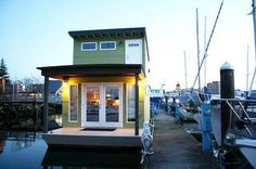 The tiny Sweet Pea in Olympia, Washington is the first houseboat to be certified by Build Green!