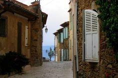 Gassin : Les plus beaux villages perchés de France - Linternaute.com Week-end