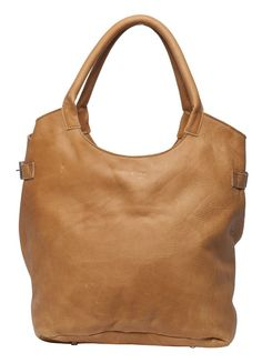 This handy shopper is made of Vintage leather. Jannissima selectsthe special Vintage leather for her bags that is very supple without losing its firmness. Therefore, it is suitable for this bag. It must fall smoothly and yet super reliable and strong. The bag is manufactured in Brabant, Holland. A truly local product!