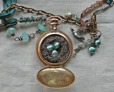 Beginning_of_flight_nest_detail_1fo  This is one of my favorite pieces.  It is beautiful...