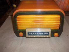 VERY RARE AIR KING MODEL A600 CATALIN- BAKELITE CASE TUBE RADIO, WORKING ORDER