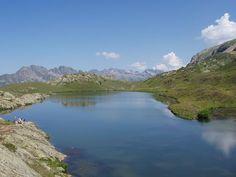 Lac Besson (2080 m) wenn man den Alp d Huez noch etwas höher fährt. Schotterstraße