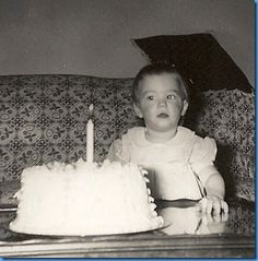 Vintage photo of baby's first birthday cake. Today Is Your Birthday, Happy Birthday Me, Birthday Wishes, Vintage Birthday Cakes, Baby First Birthday Cake, Birthday Party Images, Old Birthday Cards, Vintage Family Photos, First Birthdays