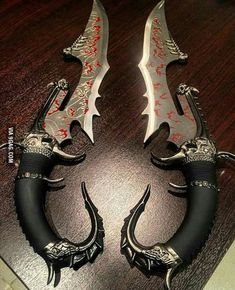 Too late for knife show? Pretty Knives, Cool Knives, Ninja Weapons, Weapons Guns, Zombie Weapons, Swords And Daggers, Knives And Swords, Tactical Knives, Tactical Gear