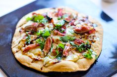 Fig and Arugula Pizza