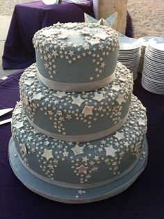 Blue silver star cake
