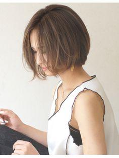 コバルトアッシュハイライト×前下がりボブ〈fur〉〉荒川実駒〉 - 24時間いつでもWEB予約OK!ヘアスタイル10万点以上掲載!お気に入りの髪型、人気のヘアスタイルを探すならKirei Style[キレイスタイル]で。