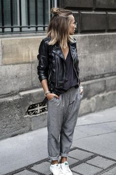 30 Best Summer Outfits Stylish and Comfy - 30 Chic Summer Outfit Ideas - Street Style Look. The Best of clothes in Mode Outfits, Sport Outfits, Fall Outfits, Casual Outfits, Fashion Outfits, Nike Fashion, Sport Fashion, Fashion Trends, Fashion Clothes