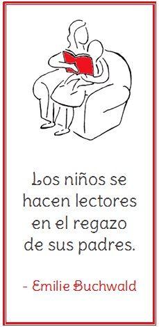 Los niños se hacen lectores en el regazo de sus padres.  Una marcapágina en español.
