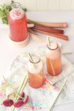 Erdbeer-Rhabarber-Sirup & Spieße*   Das Knusperstübchen