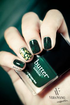 Vera Wang inspired nails by Pshiiit. Emerald green nail polish with single gold flake accent.