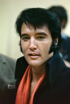 Elvis Presley backstage on the opening night of his comeback engagement at the Caesar's Palace Hotel in Las Vegas, 1970. Terry O'Neill/Getty Images