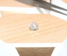 DIAMANT - Diamant 3.22ct - 26 001€ TTC - Forme : Rond Poids : 3.22ct Couleur : J Pureté : SI2 Gravure laser : Oui Gravure Laser, Diamond Earrings, Stud Earrings, Oui, Luxury Watches, Rolex, Jewelry, Clock Art, Shape