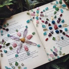 """Playful way to relax~ Create small grids with your crystals to create colorful works of art that can get some manifestation going! :) Photo:TheOpaque Created by The Opaque"""" Types Of Crystals, Crystals In The Home, Stones And Crystals, Crystal Magic, Crystal Grid, Fertility Crystals, Crystal Aesthetic, Meditation Crystals, Ways To Relax"""