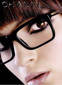 Thicker liner is perfect when wearing glasses. Not to mention the fact that I now must have these Chanel glasses!!!!!!