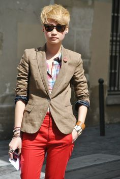 Plaid, red pants, blonde hair... but cause of that neutral blazer, it's all toned down.