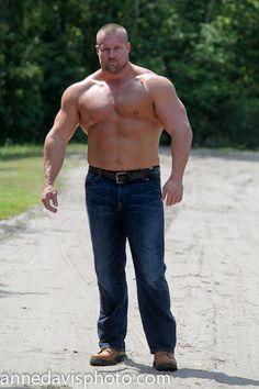 Big and Beautiful I Love Daddy, Muscle Bear, Muscle Guys, Big Muscles, Mature Men, Weight Loss Inspiration, Older Men, Big Men, Hairy Men