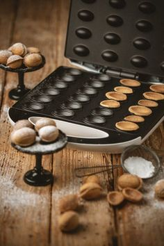 Pastry Recipes, Cookie Recipes, No Bake Desserts, Dessert Recipes, Walnut Cookies, Polish Recipes, Cooking Gadgets, Food Cakes, Beignets