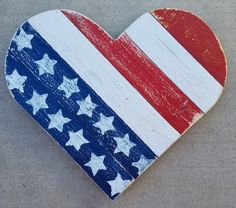 Large Wood Pallet Heart Red White and Blue Heart Pallet image 0 4th July Crafts, Fourth Of July Crafts For Kids, Fourth Of July Decor, Summer Crafts For Kids, 4th Of July Decorations, 4th Of July Party, July 4th, Americana Decorations, Summer Ideas