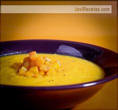 Tonight I'm cooking this! Cream of pumpkin soup. I've cooked it before, best pumpkin soup ever! Veggie Recipes, Fall Recipes, Mexican Food Recipes, Soup Recipes, Cooking Recipes, Healthy Recipes, Spanish Recipes, Cream Of Pumpkin Soup, Venezuelan Food