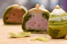 抹茶芋頭酥 :D  Matcha puff pastry with sweet taro fillings    Purple + green = ♥