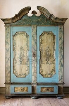 WOW! Painted Furniture.