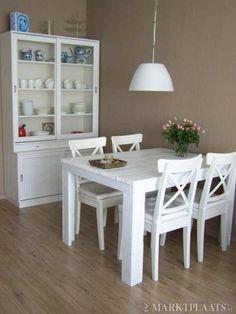 keuken en eetkamer | eettafel wit klein Door laurasnebel