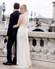 A classic Vera Wang gown for a wedding in Paris