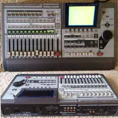 Roland VS-1824CD 24-bit Multi-Track Recorder Digital Studio Workstation. 18 Track. SERIAL NO. ZP42621 M. Very Good/Used. Don't Miss Out!   SOLD!