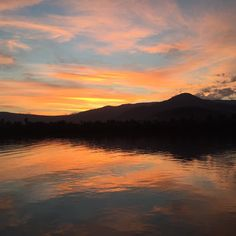 In Cambodja is het 6uur later en daar hebben ze genoten van deze prachtige zonsondergang #kampot #cambodja #vrijwilligerswerk #bemore #sunset