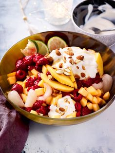 #Joghurt mit gaaanz viel Früchten - so lecker und leicht kommt dieses #Dessert daher!