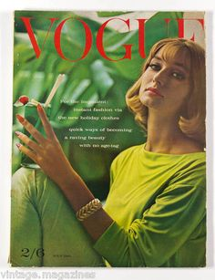 Vogue UK July 1961 Model Tania Mallet Photo by Eugene Vernier Jacqueline Bisset, Jean Shrimpton, Vogue Magazine Covers, Fashion Magazine Cover, Lauren Hutton, Candice Bergen, Catherine Deneuve, Twiggy, Vanity Fair