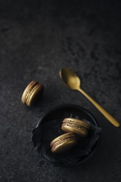 Gold Macaron photo by Dani Rendina ( on Unsplash Gatsby, Men Spa, Small Drawstring Bag, Black Bowl, Kinds Of Clothes, Spa Treatments, Macarons, Class Ring, Rose Gold