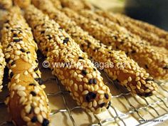 When in Greece, you will see Kritsinia in many places/spots as you sight-see, travel through the city or to the countryside. Kritsinia are bread sticks that often covered in sesame seeds or with an… Lebanese Recipes, Greek Recipes, Greek Bread, Greek Cookies, Greek Dinners, Greek Easter, Lemon Loaf, Bread And Pastries, Pastry Recipes