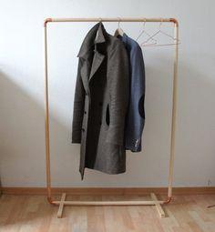 DIY Kleiderstange aus Holz und Kupfer // DIY: Wood & Copper Cloth Rack via DaWanda.com
