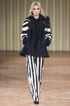 http://www.vogue.com/fashion-shows/fall-2017-ready-to-wear/alberta-ferretti/slideshow/collection