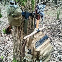 What a great set up! What does yours looks like? @Regrann from @bushcraft_ed - My little set up keeps the bag off the floor and my tools together like a woodland working station my silky gomboy, Robin wood axe, mora HD carbon canteen and in the bag is smaller mora no2 and hook knife for carving,all thanks to the adaptability of my @tybelt to get things up off the ground to my level! it's the little things in life aye ;) also as you can see trying out my new axe belt loop for the first…