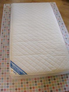 The Complete Guide to Imperfect Homemaking: {Tutorial} Easy DIY Crib Sheets