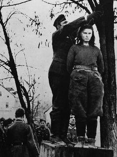 egzekucja Lepe Radić Prijedor 1943 Ww2 History, World History, Gypsy Men, Horrible Histories, Brave Women, Iconic Photos, German Army, African American History, World War Two