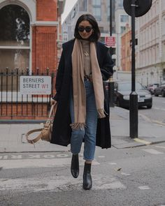 Inspirationsideen Herbst-Winter-Outfits Be Bad .- Inspirationsideen Herbst-Winter-Outfits Be Badass II Mode & Lifestyle – Informationen zu idées inspiration tenues automne-hiver Be Bad… P Winter Outfits For Work, Winter Fashion Outfits, Outfits For Teens, Fall Outfits, Autumn Fashion, Casual Outfits, Winter Clothes, Snow Fashion, Christmas Fashion