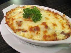 Sonkás sajtos rakott rizs, mennyei finom és pikk-pakk összedobható!