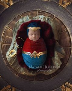 Foto Newborn, Newborn Session, Newborn Pictures, Baby Pictures, Baby Wonder Woman, Monthly Baby Photos, Foto Baby, Photography Backdrops, Digital Photography
